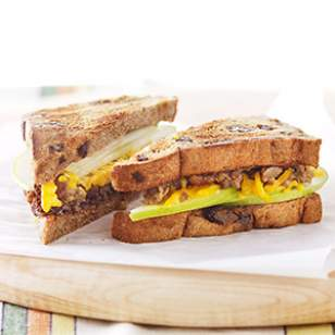 Apple & Veggie Sausage Breakfast Sandwich Recipe
